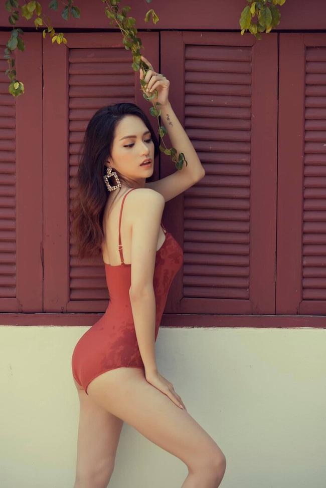 """Hoa hậu Hương Giang """"đốt mắt"""" công chúng bằng bộ ảnh body suit đẹp mê mẩn - Ảnh 5."""