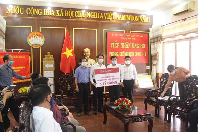 Agribank ủng hộ Đà Nẵng 5 tỷ, Quảng Nam 3 tỷ phòng, chống dịch Covid-19 - Ảnh 3.