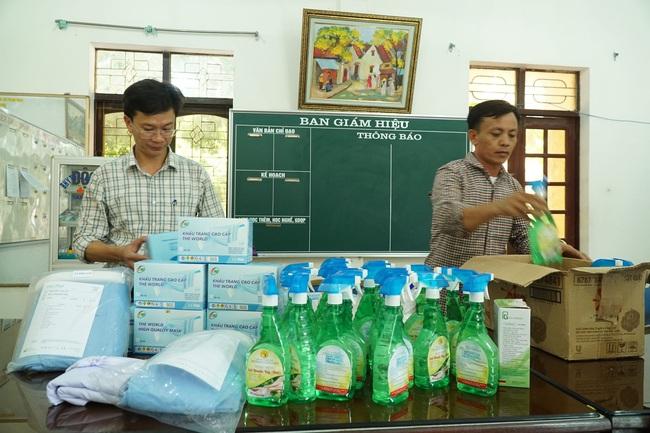 Nghệ An: Mỗi thi sinh được phát 5 khẩu trang tại kỳ thi THPT - Ảnh 1.