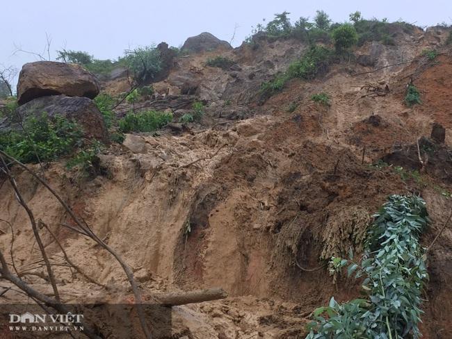 Gần chục nghìn m3 đất đồi chân bãi thải mỏ than Yên Phước bị sụt lún - Ảnh 1.