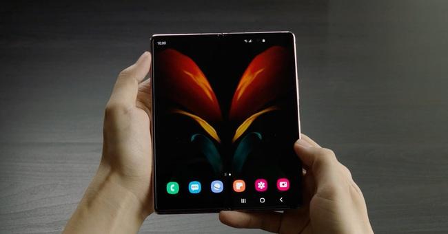 Smartphone màn hình gập Galaxy Z Fold 2 vừa ra mắt có gì đặc biệt? - Ảnh 2.