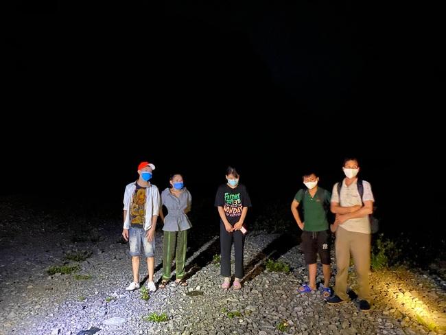 Lượng người nhập cảnh trái phép chưa có dấu hiệu suy giảm trong thời gian gần đây, trên tuyến biên giới thuộc các huyện Bảo Lạc, Hạ Lang của tỉnh Cao Bằng.