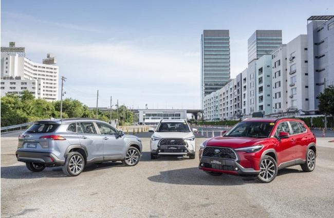 """Toyota Việt Nam lên tiếng về việc """"bia kèm lạc"""" của Corolla Cross mới - Ảnh 2."""