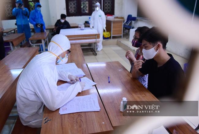 Người Hà Nội từ Đà Nẵng trở về đi xét nghiệm PCR - Ảnh 4.