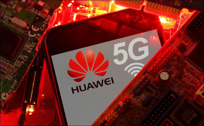 Huawei làm chậm quá trình sản xuất smartphone do các lệnh trừng phạt của Mỹ - Ảnh 1.