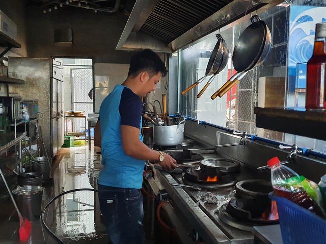 Được phép hoạt động trở lại, nhiều cơ sở kinh doanh tại Đà Nẵng vẫn chưa sẵn sàng - Ảnh 3.