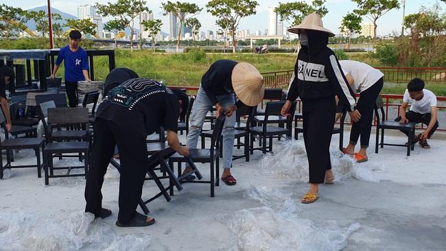 Được phép hoạt động trở lại, nhiều cơ sở kinh doanh tại Đà Nẵng vẫn chưa sẵn sàng - Ảnh 2.