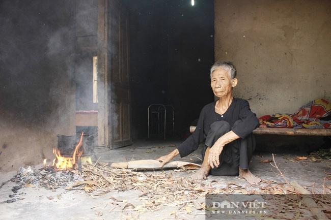 Hà Tĩnh: Nỗi đau xé lòng người cha 82 tuổi xích con tâm thần và nuôi vợ bệnh tật - Ảnh 5.