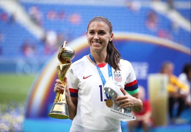 Đường cong gợi cảm của nữ tuyển thủ số 1 ĐT Mỹ - Ảnh 1.