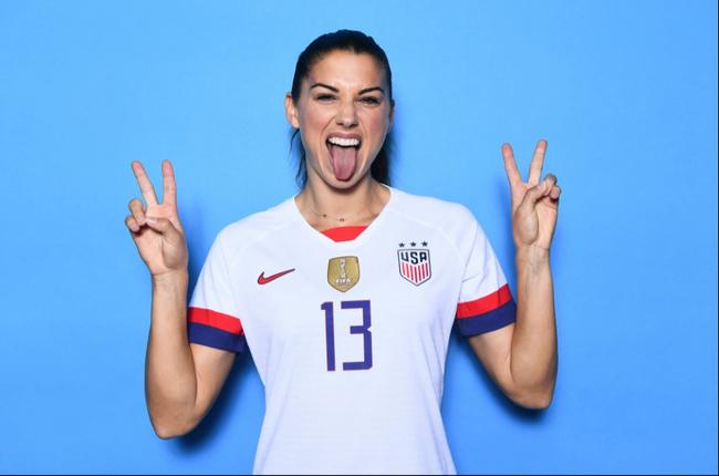 Đường cong gợi cảm của nữ tuyển thủ số 1 ĐT Mỹ - Ảnh 3.