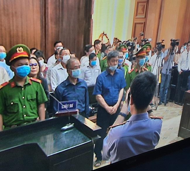 Đang xét xử nguyên Phó chủ tịch UBND TP.HCM Nguyễn Thành Tài - Ảnh 1.