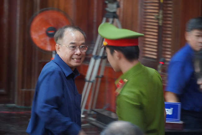 Xét xử nguyên Phó Chủ tịch TP.HCM Nguyễn Thành Tài: Viện KSND đề nghị 8-9 năm tù đối với bị cáo Tài - Ảnh 1.