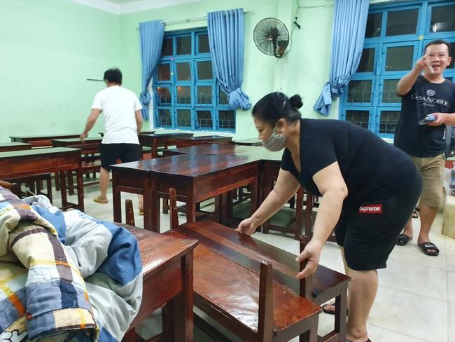 Đà Nẵng: Khẩn trương sơ tán người dân trong đêm đến nơi tránh bão - Ảnh 6.
