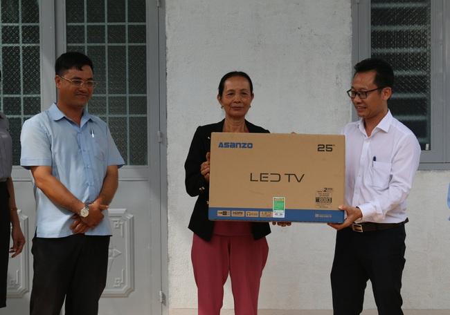 PC Đắk Nông: Khánh thành, bàn giao 6 căn nhà tình nghĩa năm 2020 - Ảnh 1.