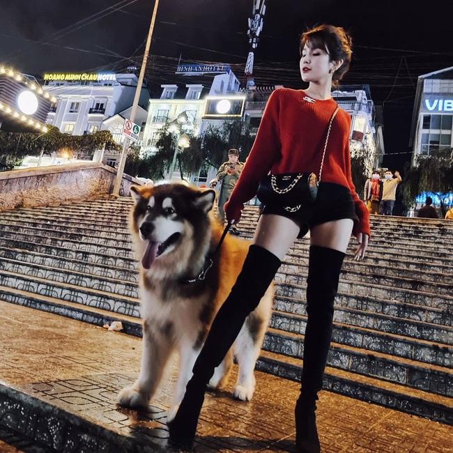 Hoa hậu Phương Khánh để lộ dấu hiệu khác lạ, Ngọc Trinh gây choáng bằng điệu cười huyền thoại - Ảnh 3.