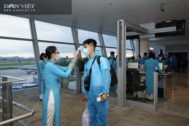 Cận cảnh chuyến bay thương mại quốc tế giữa Việt Nam - Nhật Bản hậu Covid-19 - Ảnh 3.