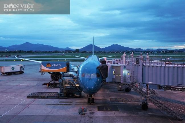 Cận cảnh chuyến bay thương mại quốc tế giữa Việt Nam - Nhật Bản hậu Covid-19 - Ảnh 4.
