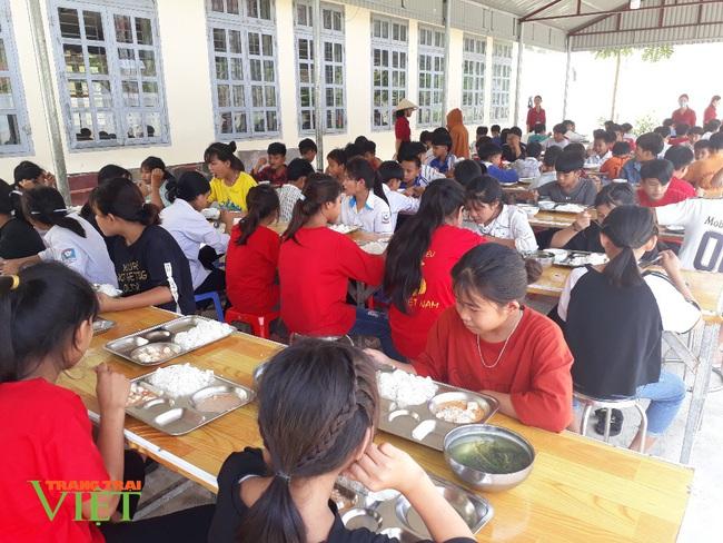 Nậm Nhùn quan tâm nâng cao chất lượng học sinh dân tộc Mảng - Ảnh 1.