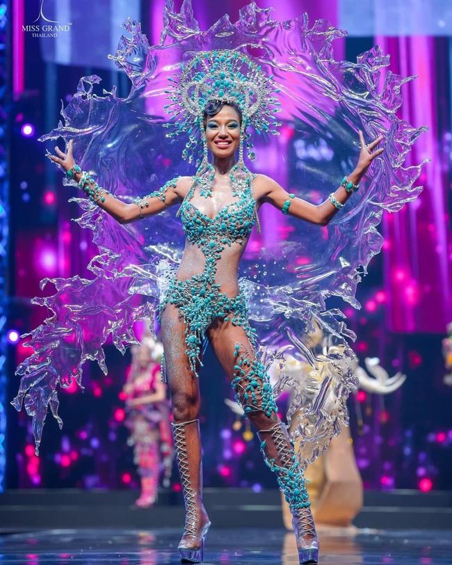 Lý do không ngờ giúp cô gái 22 tuổi đăng quang Hoa hậu Hòa bình Thái Lan 2020 - Ảnh 4.
