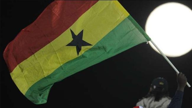 Xe bus đội bóng lao xuống sông, 6 cầu thủ trẻ Ghana thiệt mạng - Ảnh 1.