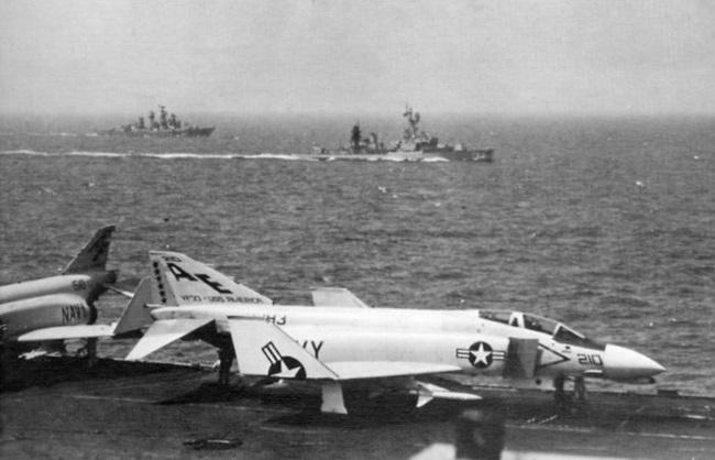 Tàu sân bay Mỹ ba lần đến Việt Nam đã bị đánh đắm ra sao? - Ảnh 3.