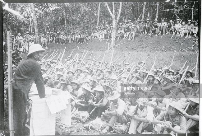 Ảnh quý giá về nhà giáo Việt Nam thời kháng chiến chống Mỹ - Ảnh 4.