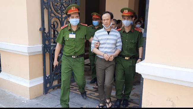Xét xử băng nhóm khủng bố trụ sở công an phường: bị cáo Nguyễn Khanh lãnh 24 năm tù  - Ảnh 3.