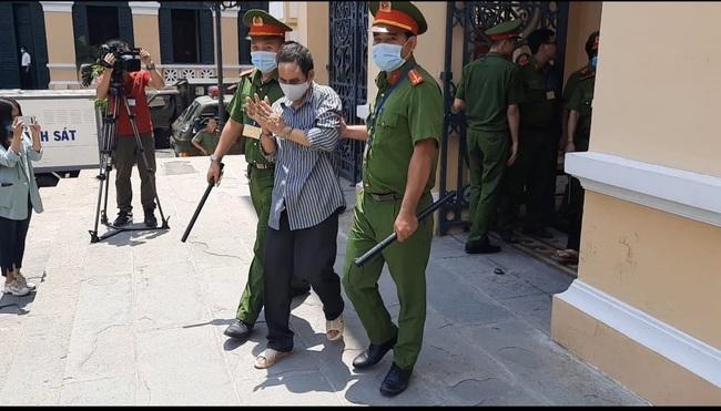 Xét xử băng nhóm khủng bố trụ sở công an phường: bị cáo Nguyễn Khanh lãnh 24 năm tù  - Ảnh 2.