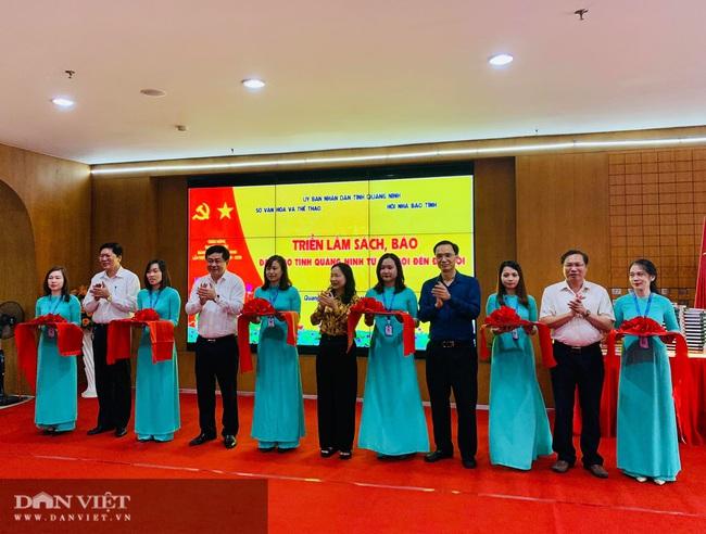 """Trên 3.000 sách, báo triển lãm """"Đảng bộ tỉnh Quảng Ninh từ đại hội đến đại hội"""" - Ảnh 1."""