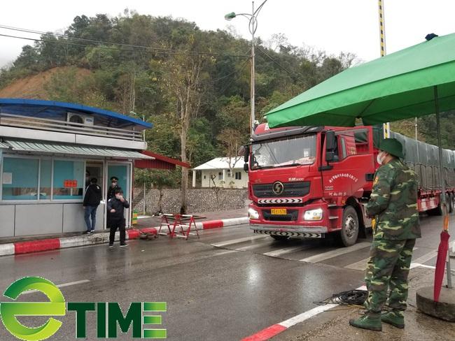 Lạng Sơn: Kim ngạch xuất nhập khẩu giảm 37,2% trong 8 tháng đầu năm  - Ảnh 1.