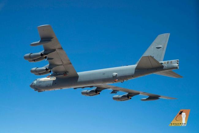 B-52 xuất hiện kèm vũ khí siêu thanh AGM-183A: Nga phát hoảng - Ảnh 3.