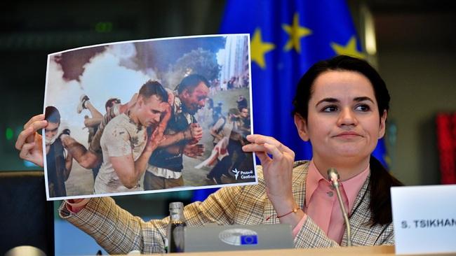 Nóng Belarus: EU từ chối trừng phạt Lukashenko bất chấp Tikhanovskaya có bài phát biểu sốc - Ảnh 1.