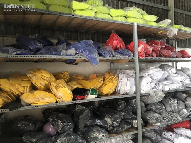 Bình Dương: Phát hiện, tịch thu hàng ngàn đôi giày nhái hàng hiệu Adidas, Nike, Gucci… - Ảnh 2.