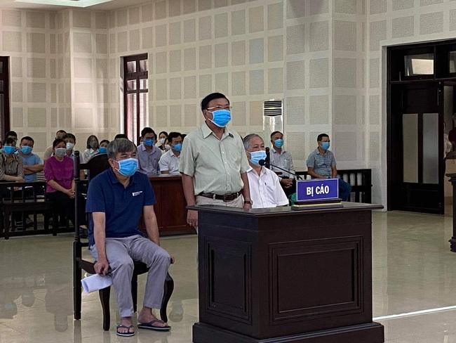 Đà Nẵng: Hoãn phiên tòa xét xử vụ án cha chỉ định thầu cho con trai - Ảnh 1.