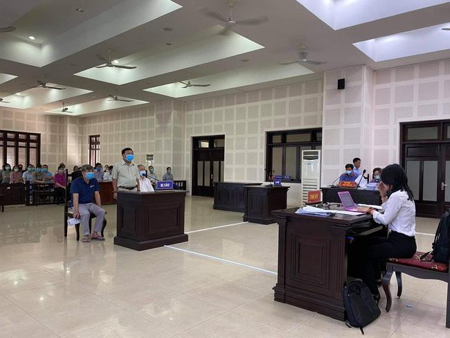 Đà Nẵng: Hoãn phiên tòa xét xử vụ án cha chỉ định thầu cho con trai - Ảnh 2.