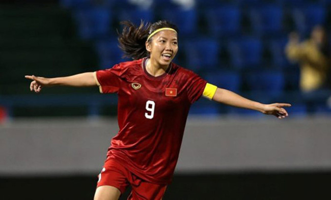 """HLV Kim Chi: """"Thế giới sẽ biết đến bóng đá nữ Việt Nam nếu cầu thủ xuất ngoại"""" - Ảnh 1."""
