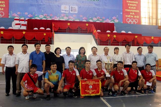 Kỷ niệm 90 năm ngày thành lập Hội Nông dân Việt Nam (14/10/1930-14/10/2020): Sôi nổi giải giải bóng chuyền nông dân xứ Nghệ   - Ảnh 4.