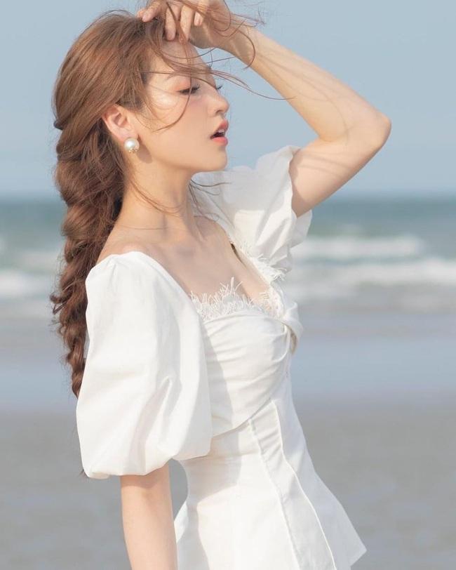"""Hoa hậu Đỗ Mỹ Linh bị """"gài"""" kể chuyện """"giường chiếu"""", cách xử lý của người đẹp khiến dân tình xôn xao - Ảnh 1."""