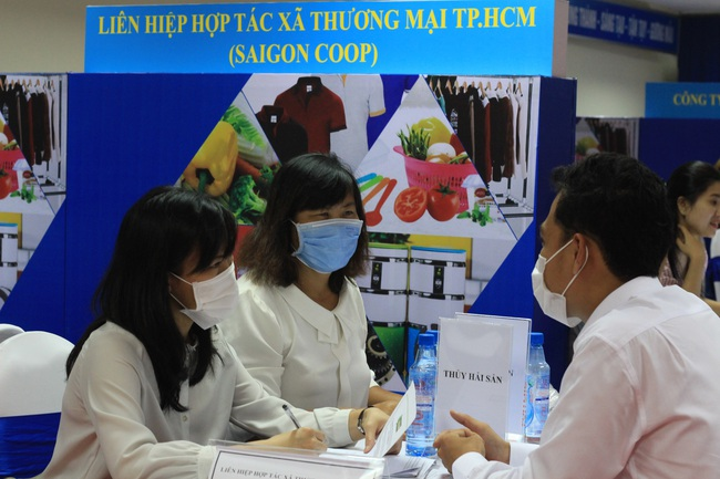 Gần 2.000 loại trái cây, đặc sản… đến TP.HCM chào hàng sau dịch - Ảnh 3.
