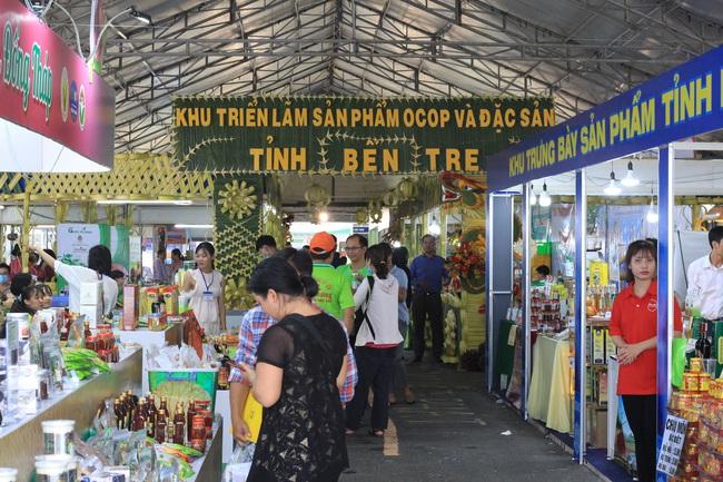 Gần 2.000 loại trái cây, đặc sản… đến TP.HCM chào hàng sau dịch - Ảnh 2.