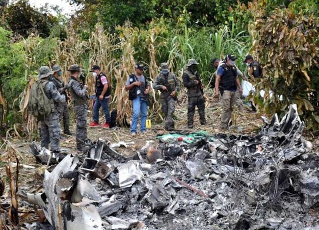 Rơi máy bay bị cướp từ sân bay Mexico  - Ảnh 1.