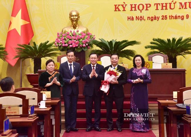 Hình ảnh ông Chu Ngọc Anh nhận nhiệm vụ Chủ tịch UBND TP Hà Nội - Ảnh 5.