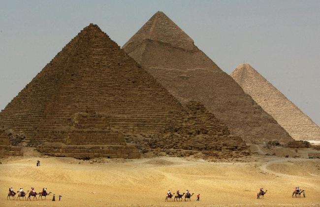 Đại kim tự tháp Giza có lỗi lớn trong xây dựng - Ảnh 1.