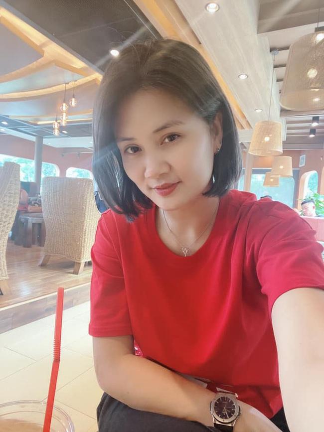 """Hoa khôi bóng chuyền Phạm Kim Huệ liên tục… """"thả thính"""" - Ảnh 2."""