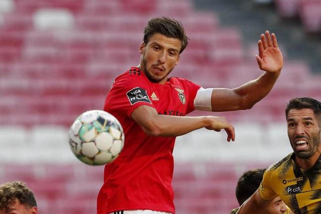 Ruben Dias sở hữu thể hình và thể lực rất ấn tượng