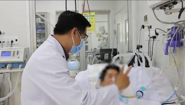 Bệnh nhân ngộ độc pate Minh Chay được truyền thuốc giải 8.000USD đang hồi phục khả quan - Ảnh 1.