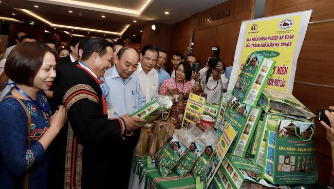 Thủ tướng đối thoại với nông dân: Nông nghiệp miền Trung - Tây Nguyên là mỏ vàng cần khai thác - Ảnh 2.