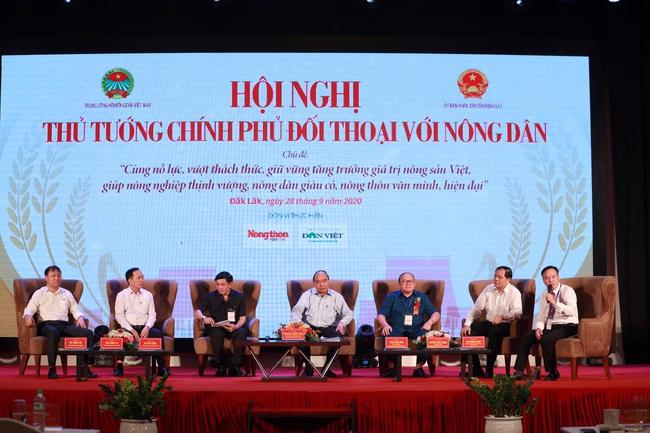 Thủ tướng đối thoại với nông dân: Nông nghiệp miền Trung - Tây Nguyên là mỏ vàng cần khai thác - Ảnh 4.