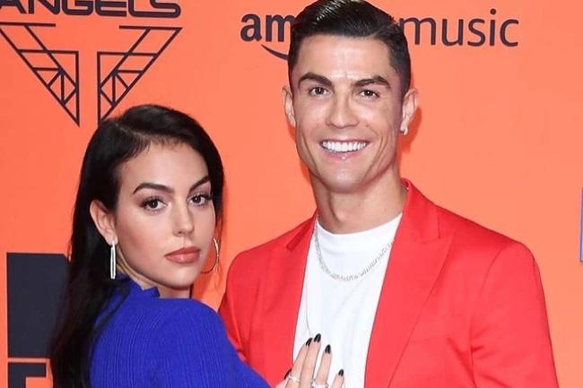 "Top 10 mỹ nữ từng ""qua tay"" Cristiano Ronaldo - Ảnh 1."