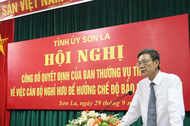 Ban Thường vụ Tỉnh uỷ Sơn La trao quyết định nghỉ hưu cho Chủ tịch HND Sơn La - Ảnh 6.